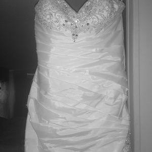 Brand new wedding dress package